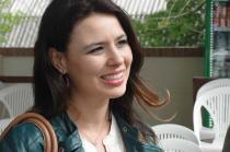 Letícia Duarte em imagem dos bastidores de gravação do Café TVCOM no evento The Best Jump